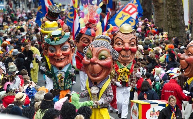 Карнавальные Костюмы В Германии