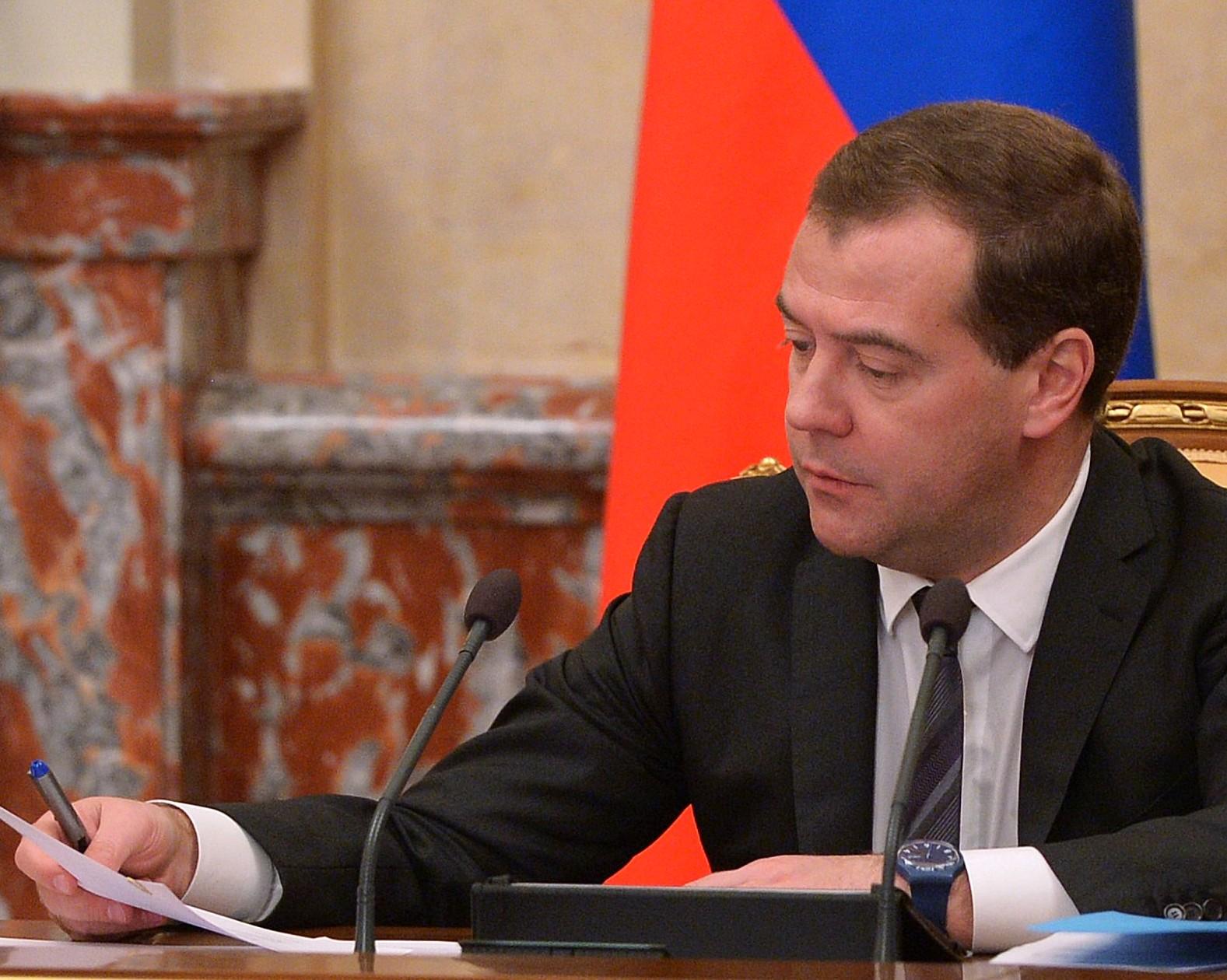 Медведев навыставке «Золотая осень» пообщался споварами ипопробовал ихблюда